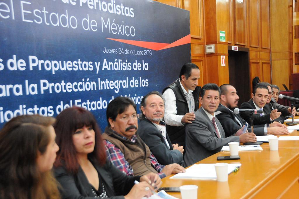 Nueva promesa de ley para periodistas