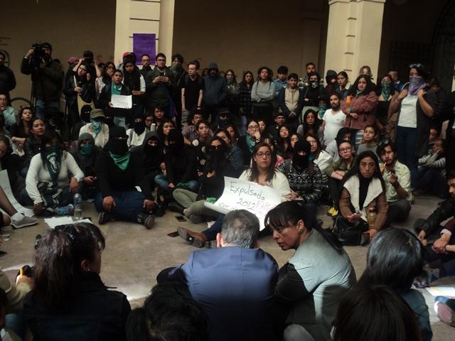 Barrera Baca se resiste a aceptar violencia de género en Universidad