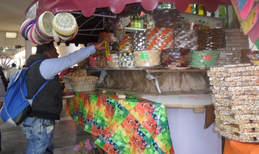 Sólo venta de dulces tradicionales en Alacenas de Los Portales, piden comerciantes
